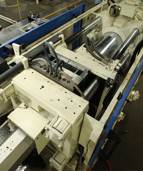 injection-molding-machine-from-top